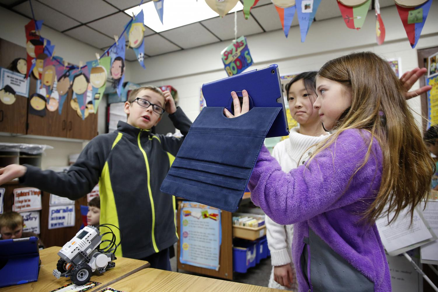 In education alone, K-12 spending on edtech devices and programs has grown from $7.2 billion in 1998 to a projected $21 billion in 2015, according to the U.S. Department of Education. (Chuck Berman/Chicago Tribune/TNS)
