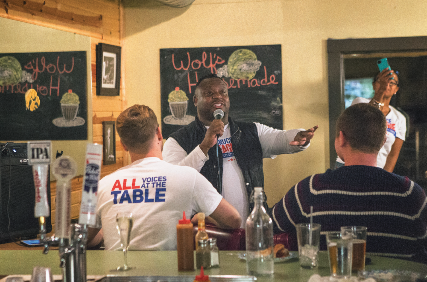 City Councilor Bruce Teague speaks to supporters at Billy's High Hat Diner at Billy's High Hat Diner on Tuesday, Oct. 2, 2018. Teague defeated Ann Freerks with 54.3 percent of the vote in a special election for Iowa City City Council's vacant seat.