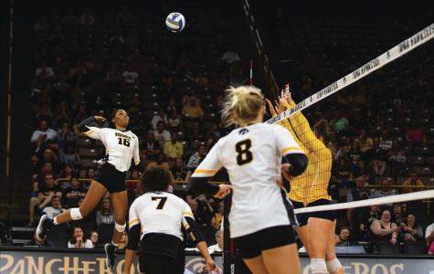 Nebraska volleyball stands tall to Iowa
