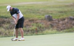 Men's and women's golf teams swing for the spring
