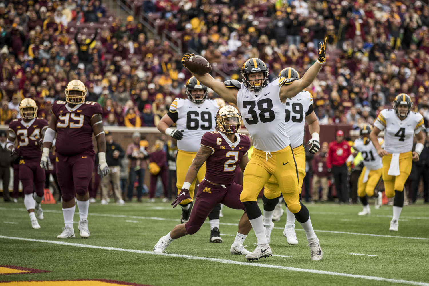 Iowa tight end T.J. Hockenson celebrates after catching a touchdown pass during Iowa's game against Minnesota at TCF Bank Stadium on Saturday, October 6, 2018.