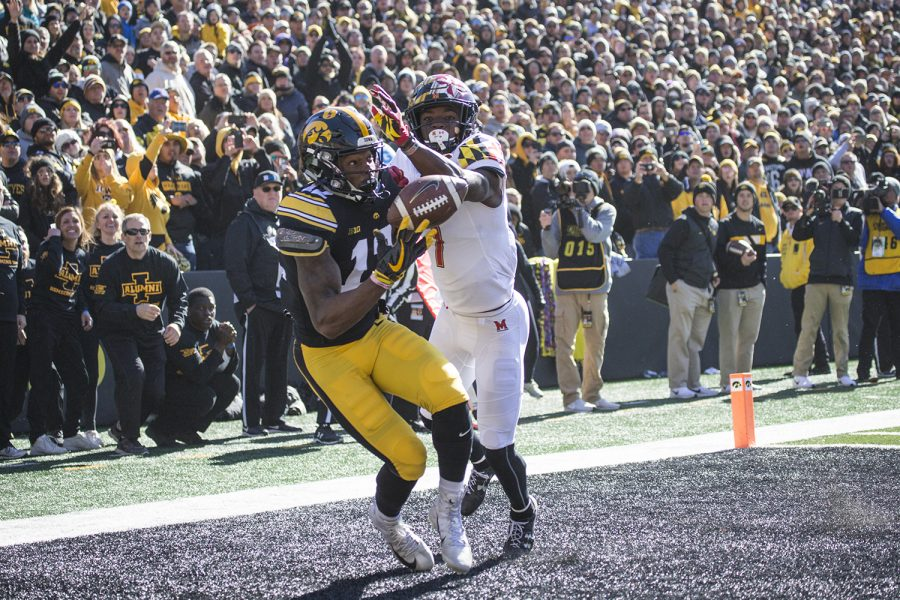 Iowa+WR+Brandon+Smith+hauls+in+a+touchdown+pass+during+a+football+game+between+Iowa+and+Maryland+in+Kinnick+Stadium+on+Saturday%2C+October+20%2C+2018.+%28Shivansh+Ahuja%2FThe+Daily+Iowan%29