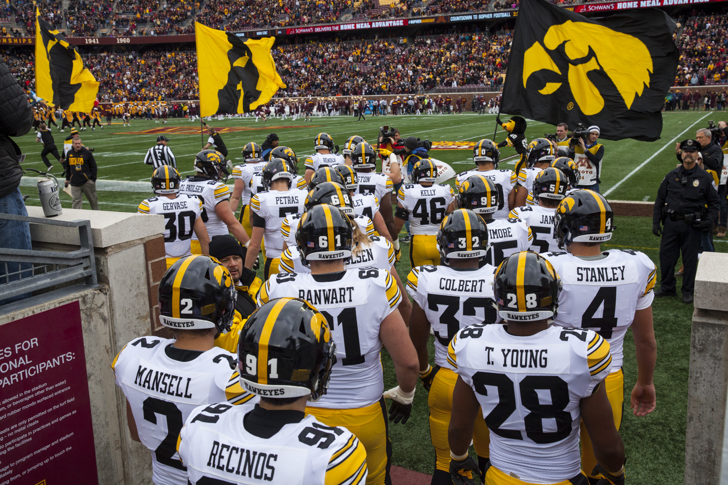 The+Hawkeyes+take+the+field+before+their+game+against+Minnesota+at+TCF+Bank+Stadium+on+Saturday%2C+October+6%2C+2018.+The+Hawkeyes+defeated+the+Golden+Gophers+48-31.