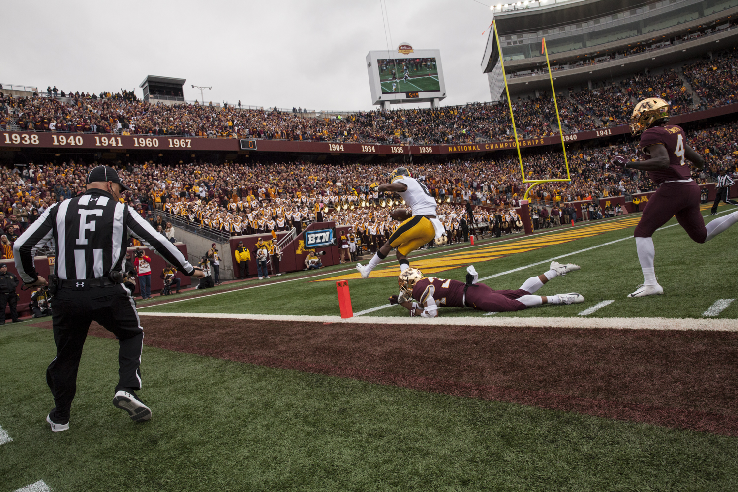 Iowa+wide+receiver+Ihmir+Smith-Marsette+scores+a+touchdown+during+Iowa%27s+game+against+Minnesota+at+TCF+Bank+Stadium+on+Saturday%2C+October+6%2C+2018.+The+Hawkeyes+defeated+the+Golden+Gophers+48-31.