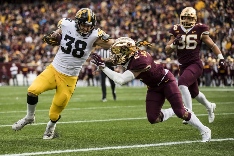 Iowa+tight+end+T.J.+Hockenson+scores+on+a+fake+field+goal+during+Iowa%27s+game+against+Minnesota+at+TCF+Bank+Stadium+on+Saturday%2C+Oct.+6%2C+2018.