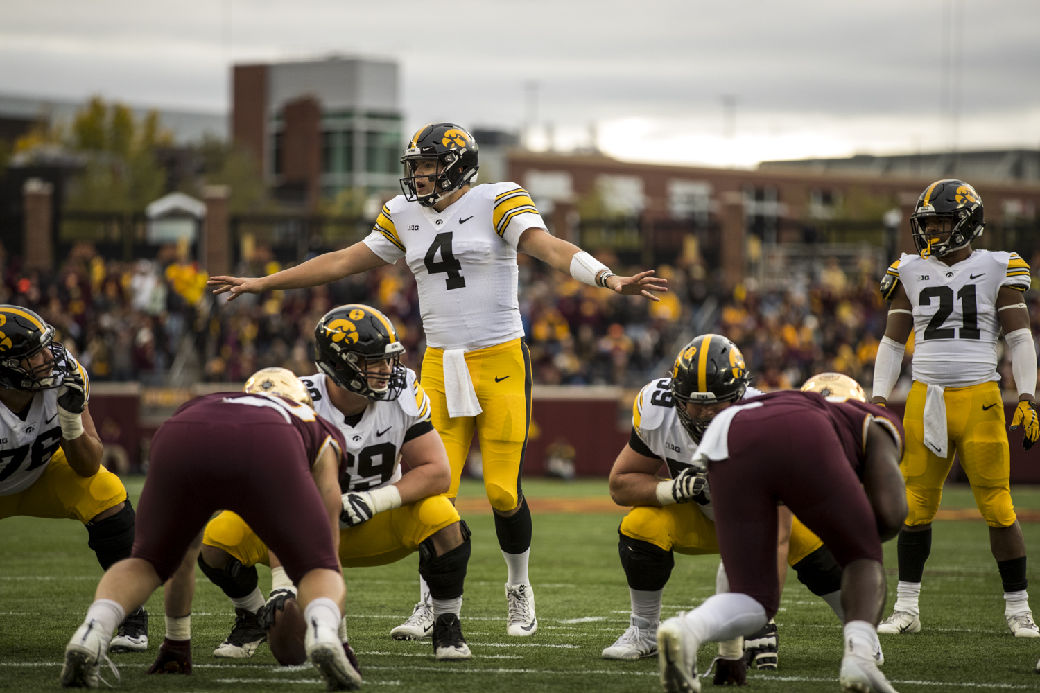 Iowa+quarterback+Nate+Stanley+calls+an+audible+during+Iowa%27s+game+against+Minnesota+at+TCF+Bank+Stadium+on+Saturday%2C+October+6%2C+2018.+The+Hawkeyes+defeated+the+Golden+Gophers+48-31.