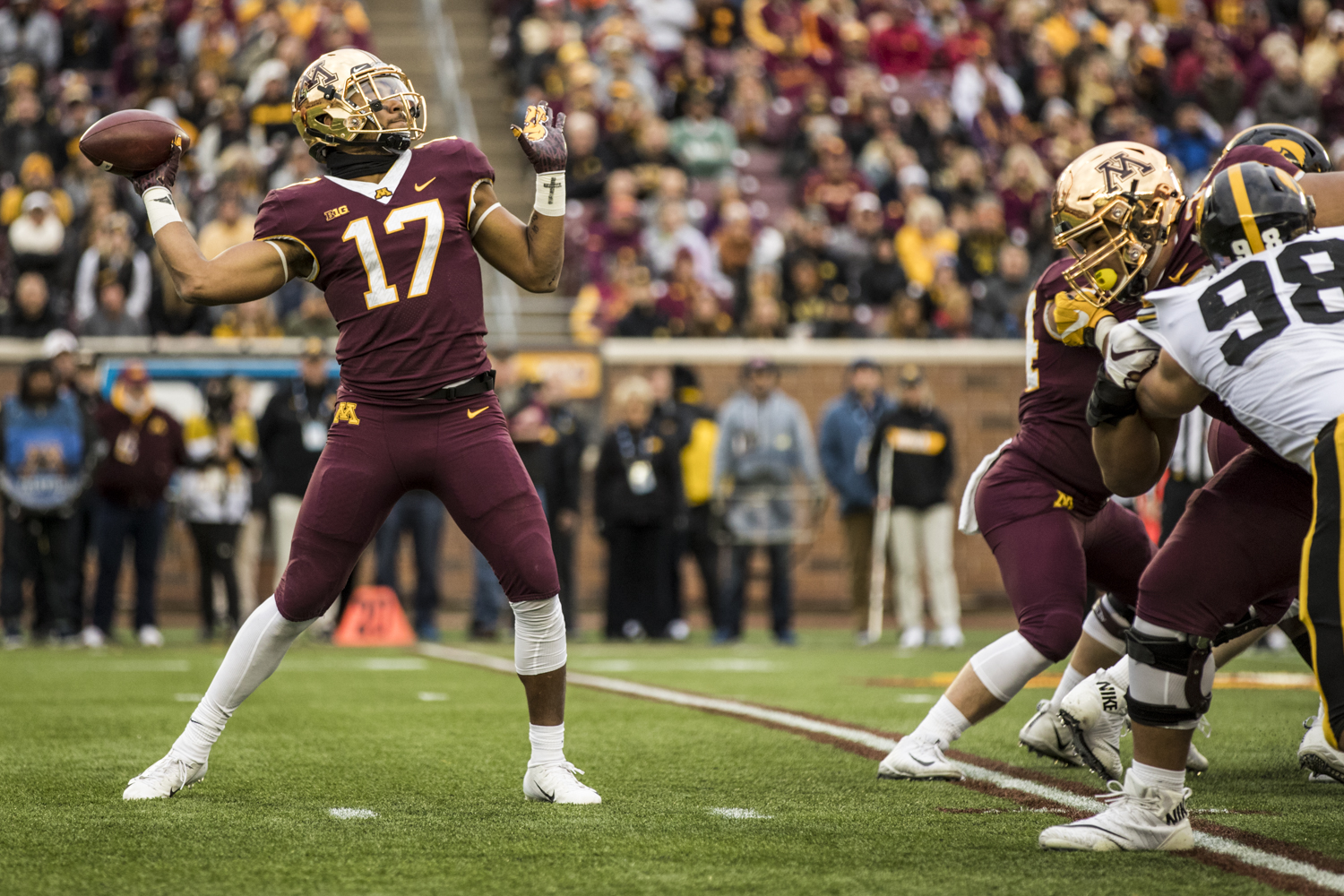 Minnesota+wide+receiver+Seth+Green+throws+a+pass+from+a+wildcat+formation+during+Iowa%27s+game+against+Minnesota+at+TCF+Bank+Stadium+on+Saturday%2C+October+6%2C+2018.+The+Hawkeyes+defeated+the+Golden+Gophers+48-31.