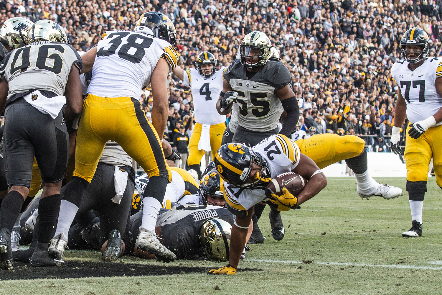 Iowa+running+back+Ivory+Kelly-Martin+%2821%29+scores+a+touchdown+during+the+Iowa%2FPurdue+game+at+Ross-Ade+Stadium+in+West+Lafayette%2C+Ind.+on+Saturday%2C+November+3%2C+2018.+The+Boilermakers+defeated+the+Hawkeyes+38-36.+