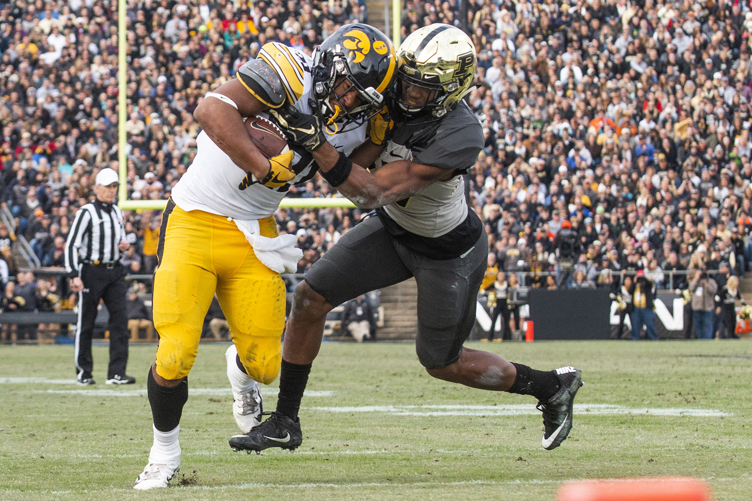 Iowa+running+back+Ivory+Kelly-Martin+during+the+Iowa%2FPurdue+game+at+Ross-Ade+Stadium+in+West+Lafayette%2C+Ind.+on+Saturday%2C+November+3%2C+2018.+The+Boilermakers+defeated+the+Hawkeyes+38-36.+
