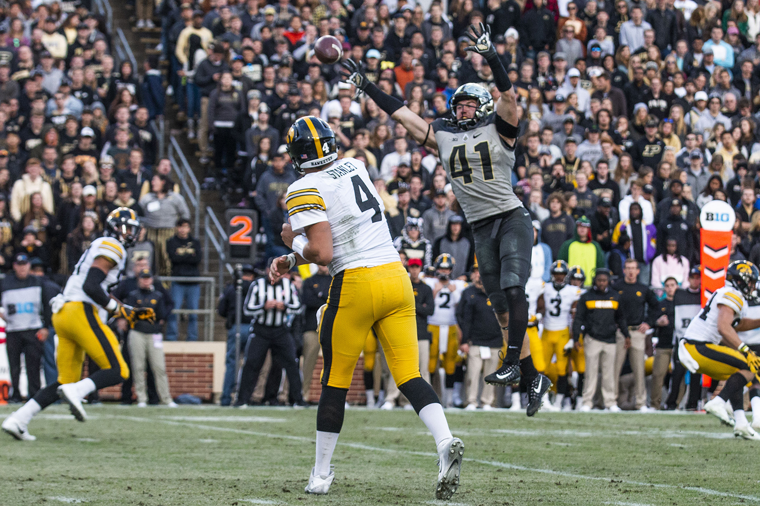 Iowa+quarterback+Nate+Stanley+throws+a+pass+during+the+Iowa%2FPurdue+game+at+Ross-Ade+Stadium+in+West+Lafayette%2C+Ind.+on+Saturday%2C+November+3%2C+2018.+The+Boilermakers+defeated+the+Hawkeyes+38-36.+