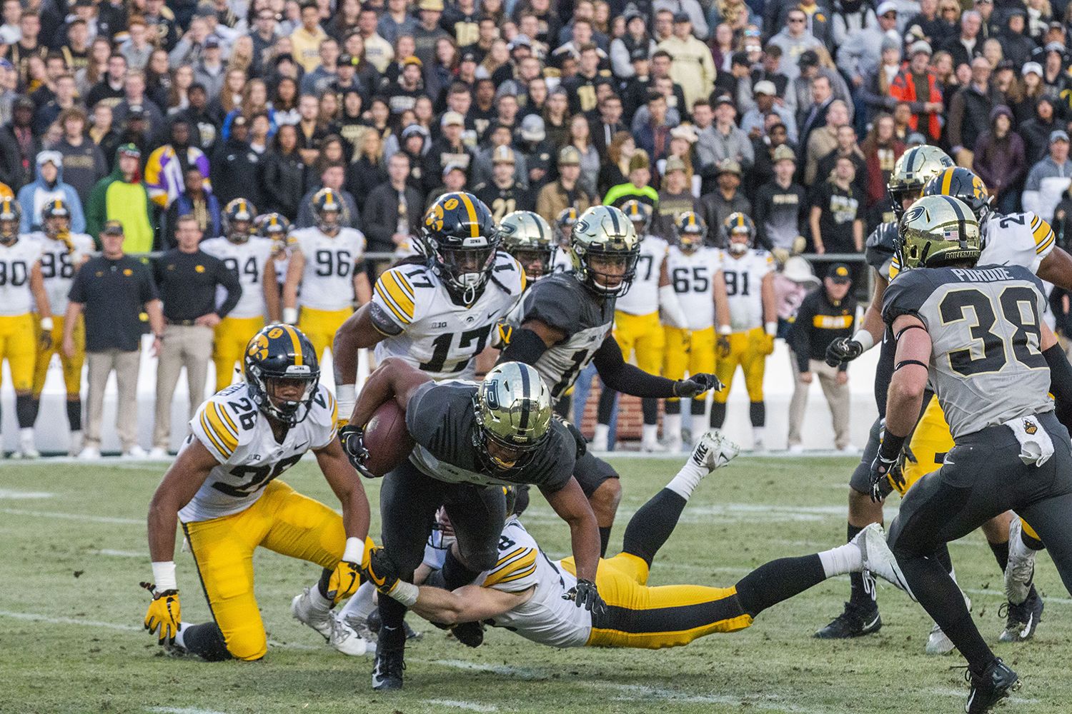 Purdue+wide+receiver+Rondale+Moore+runs+the+ball+during+the+Iowa%2FPurdue+game+at+Ross-Ade+Stadium+in+West+Lafayette%2C+Ind.+on+Saturday%2C+November+3%2C+2018.+The+Boilermakers+defeated+the+Hawkeyes+38-36.