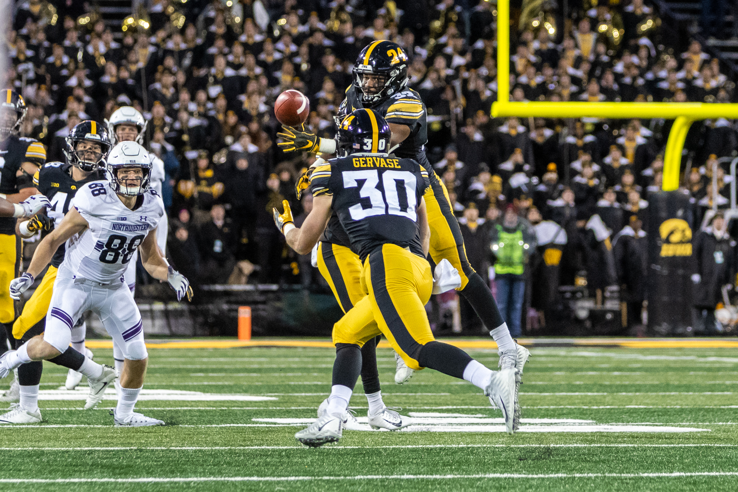 Iowa+defensive+back+Jake+Gervase+%2330+prepares+to+intercept+the+ball+during+a+game+against+Northwestern+University+on+Saturday%2C+Nov.+10%2C+2018+at+Kinnick+Stadium+in+Iowa+City.+The+Wildcats+defeated+the+Hawkeyes+14-10.+%28David+Harmantas%2FThe+Daily+Iowan%29