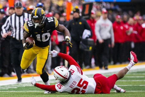 College football Week 10: Iowa falls to fourth in power rankings