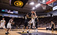 Point-counterpoint: Who is the best player off Iowa basketball's bench?
