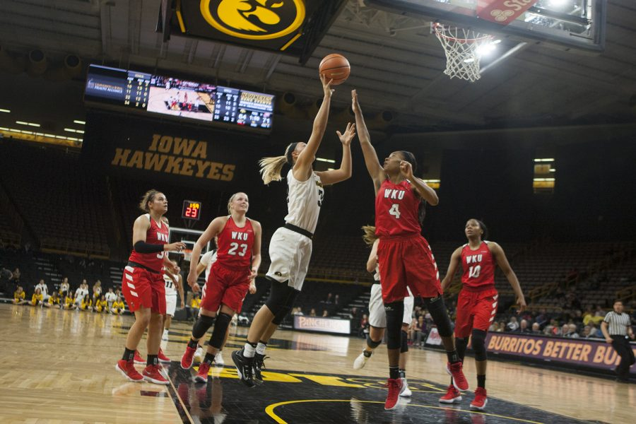 Iowa+guard+Makenzie+Meyer+taking+a+shot+at+Carver+Hawkeye+Arena+on+Saturday%2C+Nov.+11%2C+2017.+The+Hawkeyes+defeated+the+Lady+Toppers+104-97+in+overtime.+