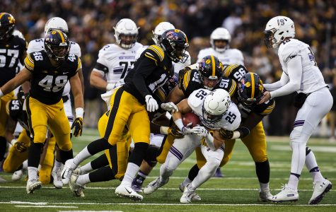 Northwestern clinches the West, defeats Iowa, 14-10
