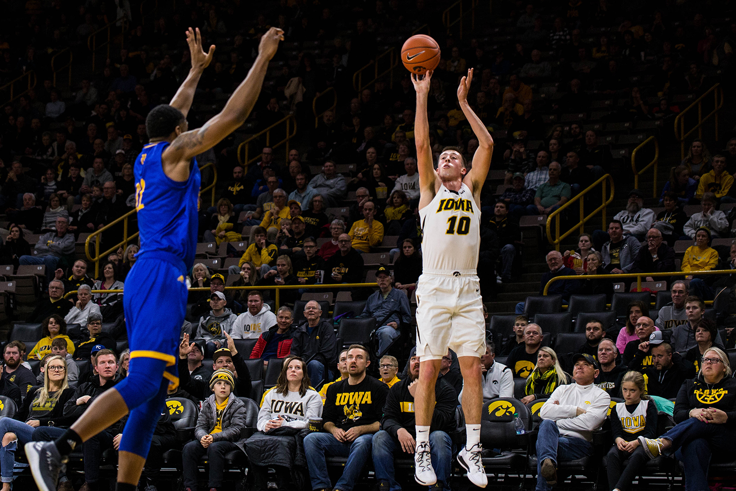 Iowa guard Joe Wieskamp shoots a three pointer during Iowa's game against UMKC at Carver-Hawkeye arena on November 8, 2018. The Hawkeyes defeated the Kangaroos 77-63.