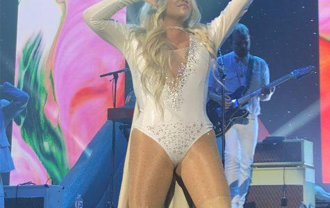 Kesha rocks the U.S. Cellular Center at free concert over the weekend