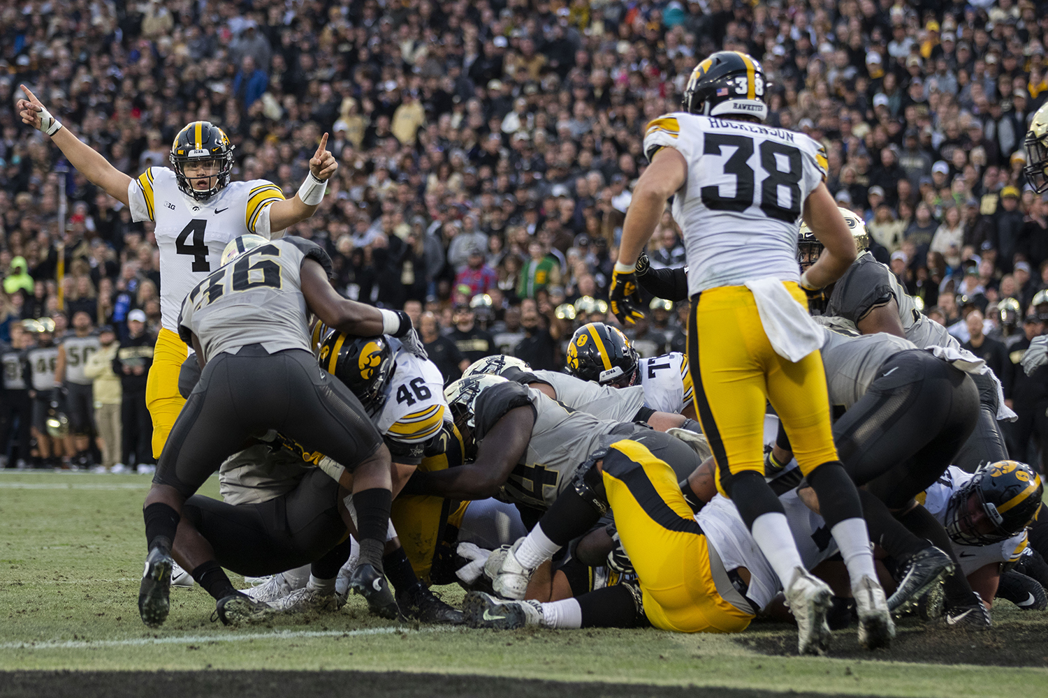 Iowa+quarterback+Nate+Stanley+%284%29+gestures+at+a+possible+Iowa+touchdown+from+Iowa+fullback+Austin+Kelly+%2846%29+during+the+Iowa%2FPurdue+game+at+Ross-Ade+Stadium+in+West+Lafayette%2C+Ind.+The+Boilermakers+defeated+the+Hawkeyes%2C+38-36%2C+with+a+last+second+field+goal.