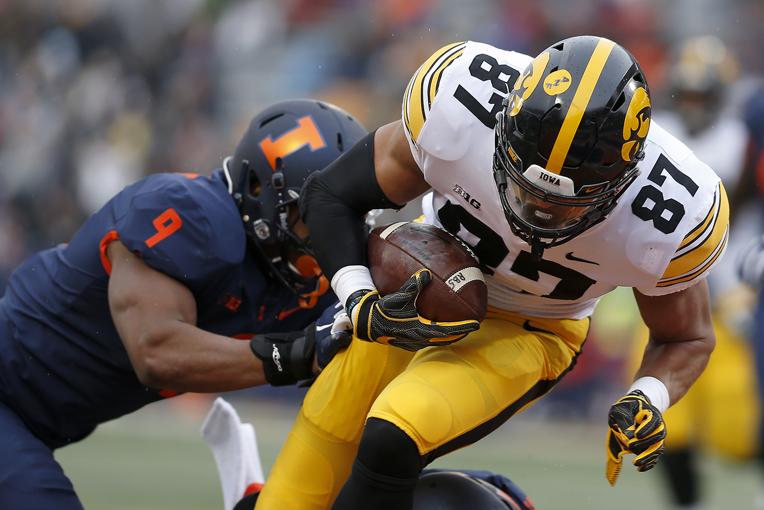 Iowa tight end Noah Fant dives for a touchdown during Iowa's game against Illinois at Memorial Stadium in Champaign, IL, on Saturday, Nov. 17, 2018. The Hawkeyes defeated the Fighting Illini 63-0.