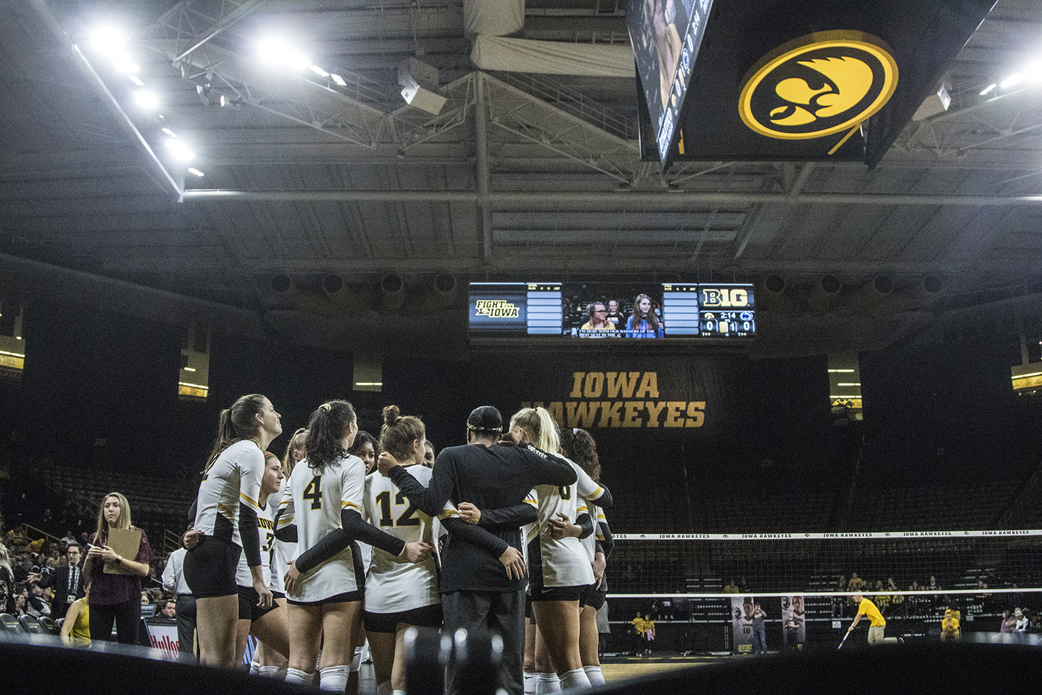 Iowa+players+huddle+during+a+volleyball+match+between+Iowa+and+Penn+State+at+Carver-Hawkeye+Arena+on+Saturday%2C+Nov.+3%2C+2018.+The+Hawkeyes+were+shut+out+by+the+Nittany+Lions%2C+3-0.