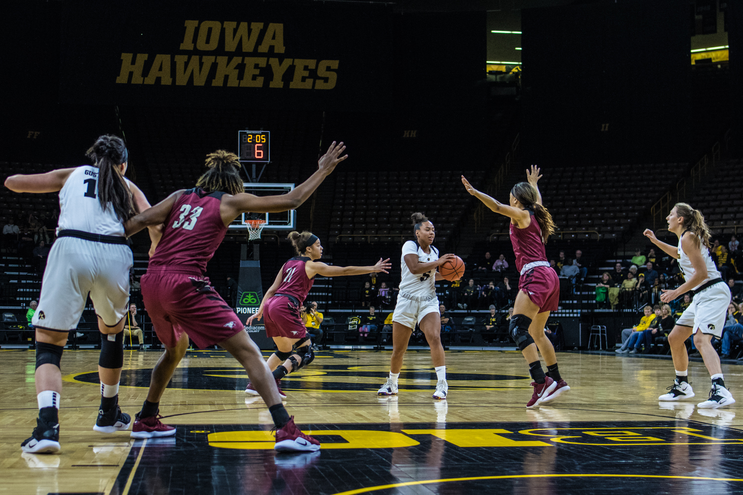 Iowa+guard+Alexis+Sevillian+passes+the+ball+during+a+women%27s+basketball+game+between+Iowa+and+North+Carolina+Central+at+Carver-Hawkeye+Arena+on+Saturday%2C+Nov.+17%2C+2018.+The+Hawkeyes+devastated+the+visiting+Eagles%2C+106-39.+