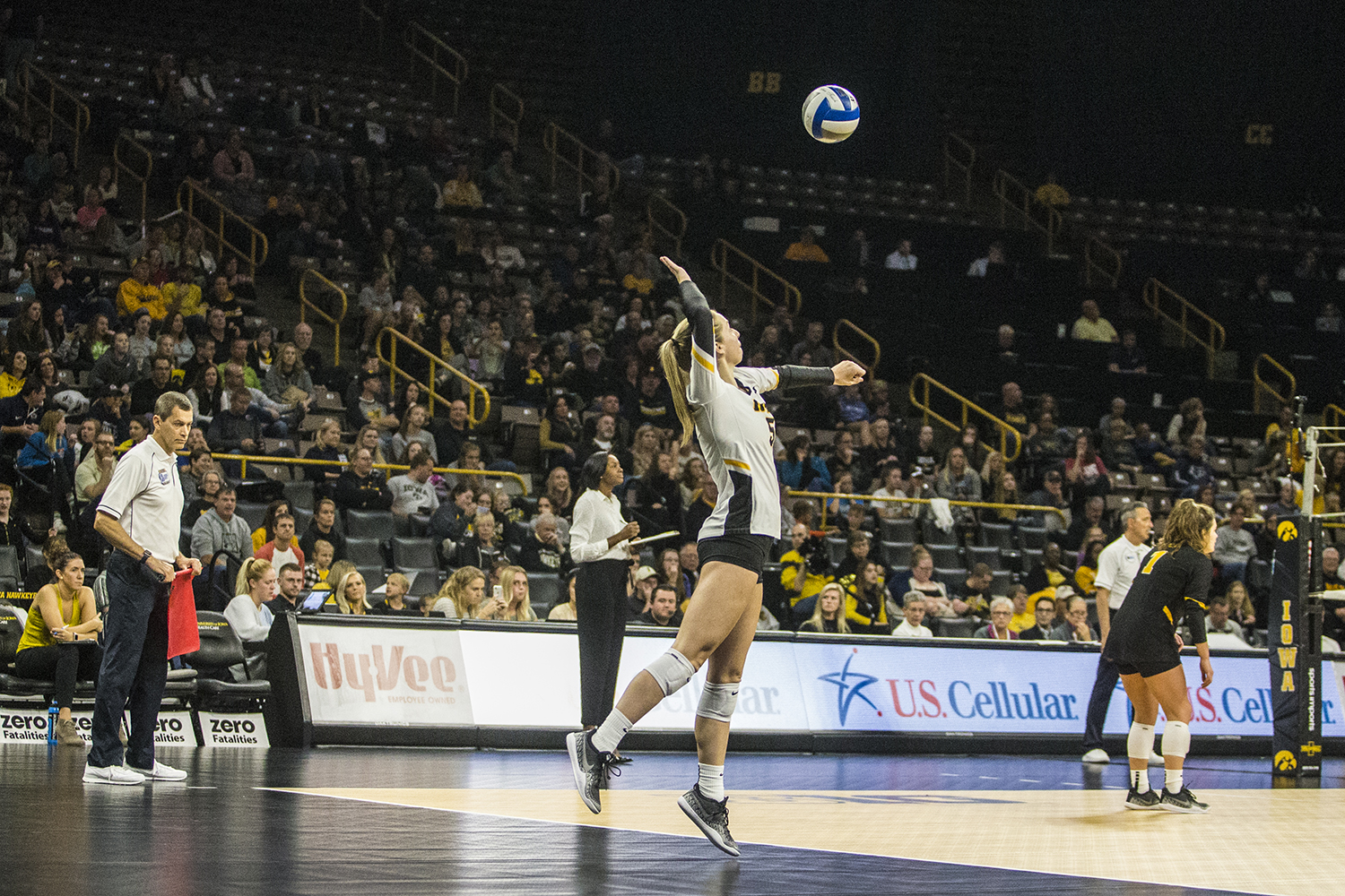 Iowa+junior+Meghan+Buzzerio+serves+during+a+volleyball+match+between+Iowa+and+Penn+State+at+Carver-Hawkeye+Arena+on+Saturday%2C+Nov.+3%2C+2018.+The+Hawkeyes+were+shut+out+by+the+Nittany+Lions%2C+3-0.