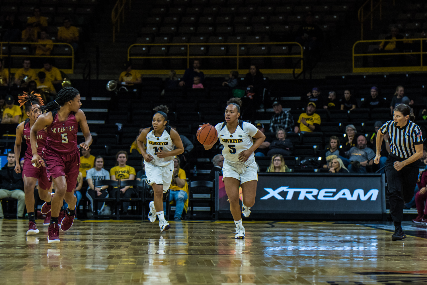 Iowa+guard+Alexis+Sullivan+runs+with+the+ball+during+a+women%27s+basketball+game+between+Iowa+and+North+Carolina+Central+at+Carver-Hawkeye+Arena+on+Saturday%2C+Nov.+17%2C+2018.+The+Hawkeyes+devastated+the+visiting+Eagles%2C+106-39.+
