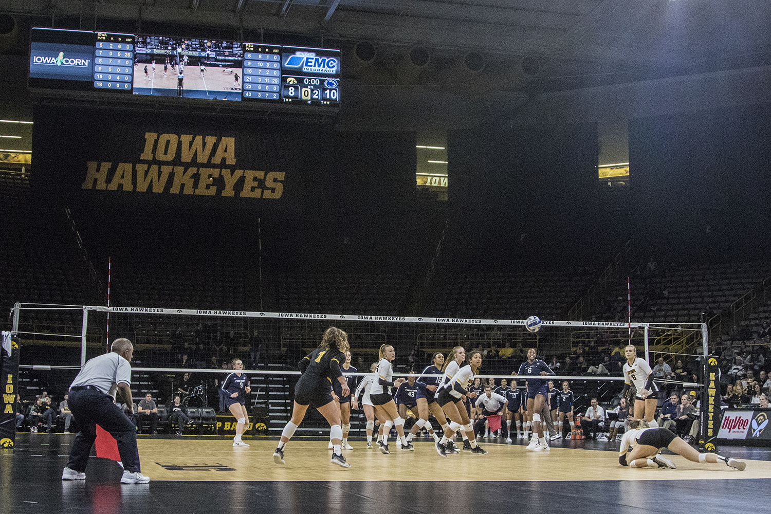 Iowa+players+react+to+the+ball+during+a+volleyball+match+between+Iowa+and+Penn+State+at+Carver-Hawkeye+Arena+on+Saturday%2C+Nov.+3%2C+2018.+The+Hawkeyes+were+shut+out+by+the+Nittany+Lions%2C+3-0.