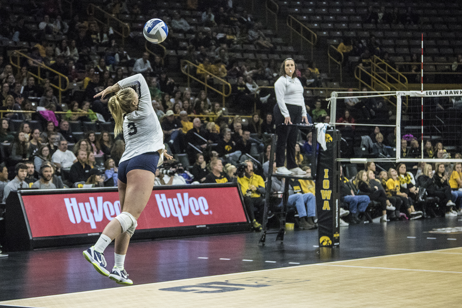 Penn+State+junior+Kendall+White+serves+during+a+volleyball+match+between+Iowa+and+Penn+State+at+Carver-Hawkeye+Arena+on+Saturday%2C+Nov.+3%2C+2018.+The+Hawkeyes+were+shut+out+by+the+Nittany+Lions%2C+3-0.