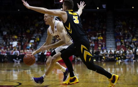 Hawkeyes display defensive dominance in win over Panthers