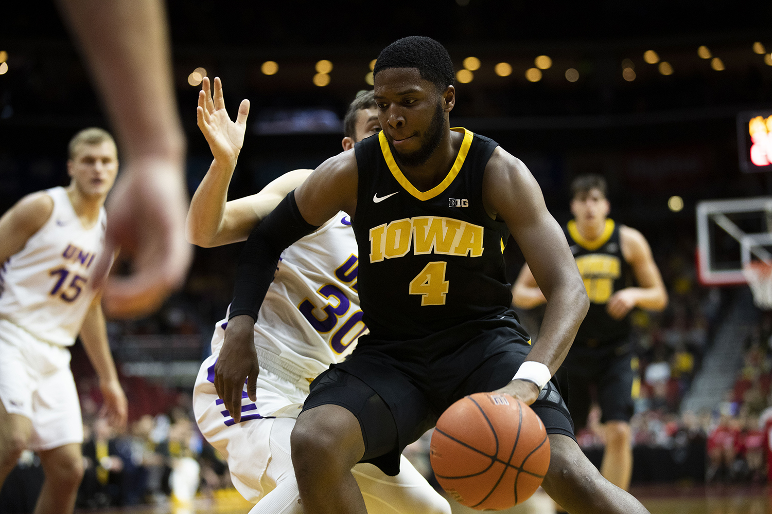 Iowa%27s+Isaiah+Moss+drives+to+the+hoop+during+the+Iowa%2FUNI+men%27s+basketball+game+at+Wells+Fargo+Arena+in+Des+Moines+on+Saturday%2C+Dec.+15%2C+2018.+The+Hawkeyes+defeated+the+Panthers%2C+77-54.+