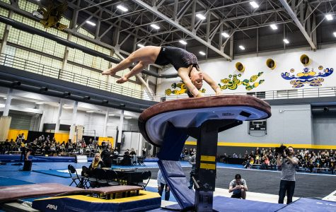 GymHawks give preview of 2019 season at Black and Gold Intrasquad