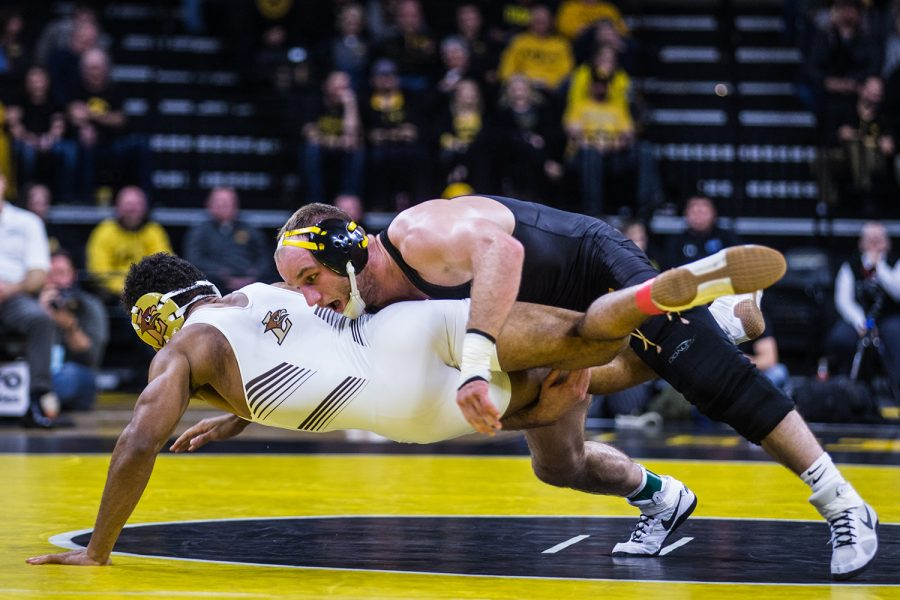 Iowa%27s+Alex+Marinelli+wrestles+Lehigh%27s+Cole+Walter+during+a+wrestling+dual-meet+between+Iowa+and+Lehigh+at+Carver-Hawkeye+Arena+on+Saturday%2C+Dec.+8%2C+2018.+Marinelli%2C+who+is+ranked+fourth+at+165%2C+defeated+Walter+20-5%2C+and+the+Hawkeyes+defeated+the+Mountain+Hawks%2C+28-14.