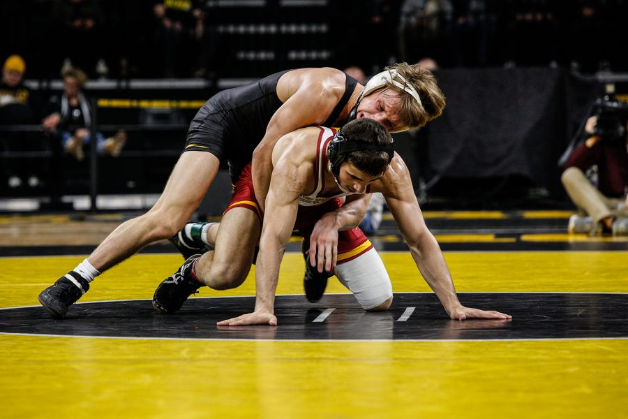 Iowa%27s+Max+Murin+wrestles+Iowa+State%27s+Ian+Parker+during+Iowa%27s+dual+meet+against+Iowa+State+at+Carver-Hawkeye+Arena+in+Iowa+City+on+Saturday%2C+Dec.+1%2C+2018.+Parker+defeated+Murin+5-4.+Iowa+defeated+the+Cyclones+19-18.