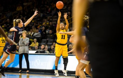 Iowa women's third-quarter run halts Robert Morris