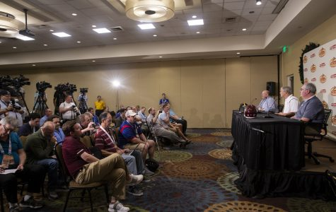Photos: Outback Bowl Joint Press Conference