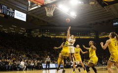 Hawkeyes run away with win over Wolverines