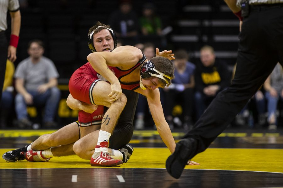 Iowa%27s+No.+2+Spencer+Lee+wrestles+Rutgers%27+Nick+Denora+at+125+during+the+Iowa%2FRutgers+wrestling+meet+at+Carver-Hawkeye+Arena+on+Friday%2C+January+18%2C+2019.+Lee+defeated+Denora%2C+6-0.+The+Hawkeyes+defeated+the+Scarlet+Knights%2C+30-6.+%28Lily+Smith%2FThe+Daily+Iowan%29