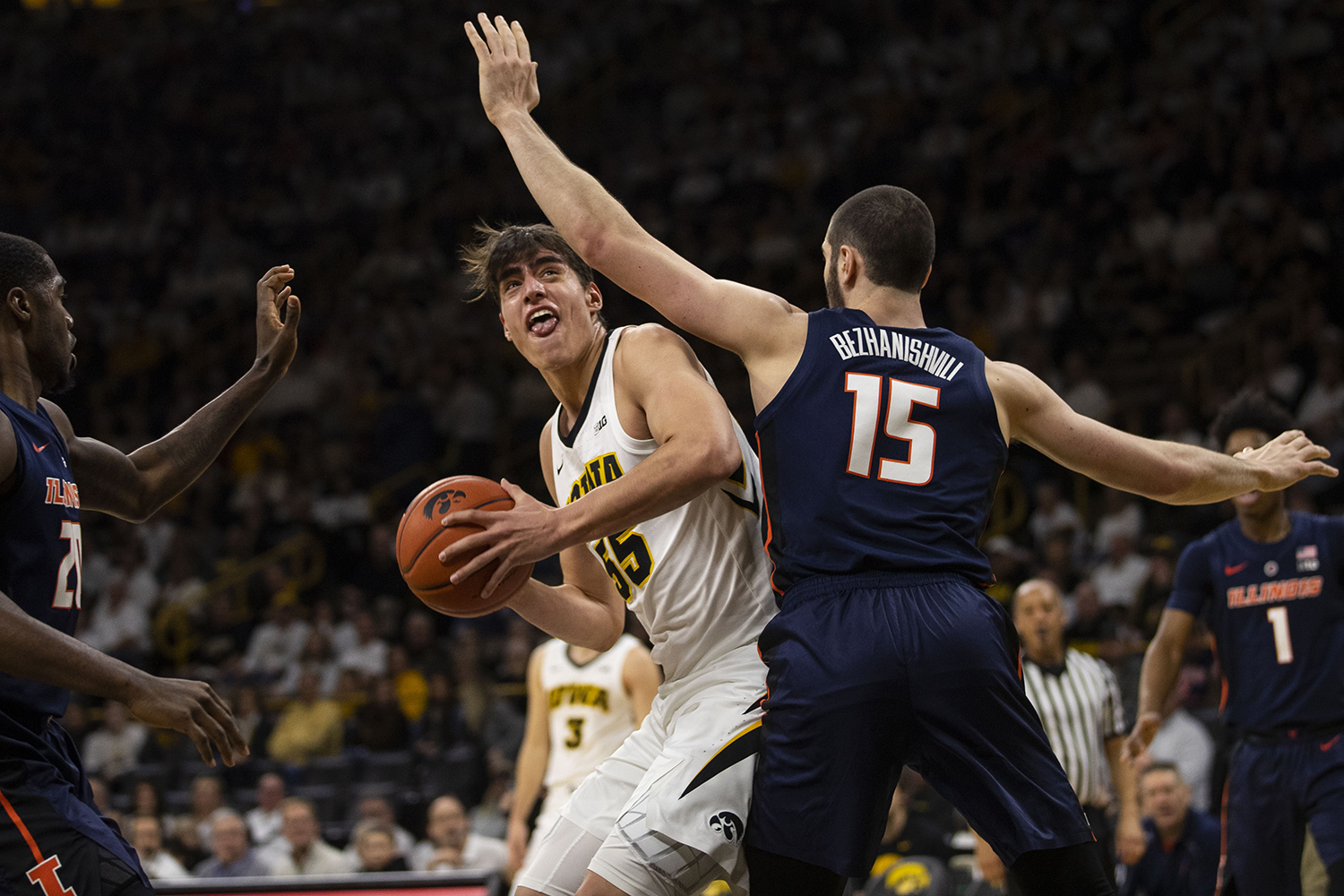Iowa+forward+Luka+Garza+looks+to+attempt+a+shot+during+the+Iowa%2FIllinois+men%27s+basketball+game+at+Carver-Hawkeye+Arena+on+Sunday%2C+January+20%2C+2019.+The+Hawkeyes+defeated+the+Fighting+Illini%2C+95-71.+