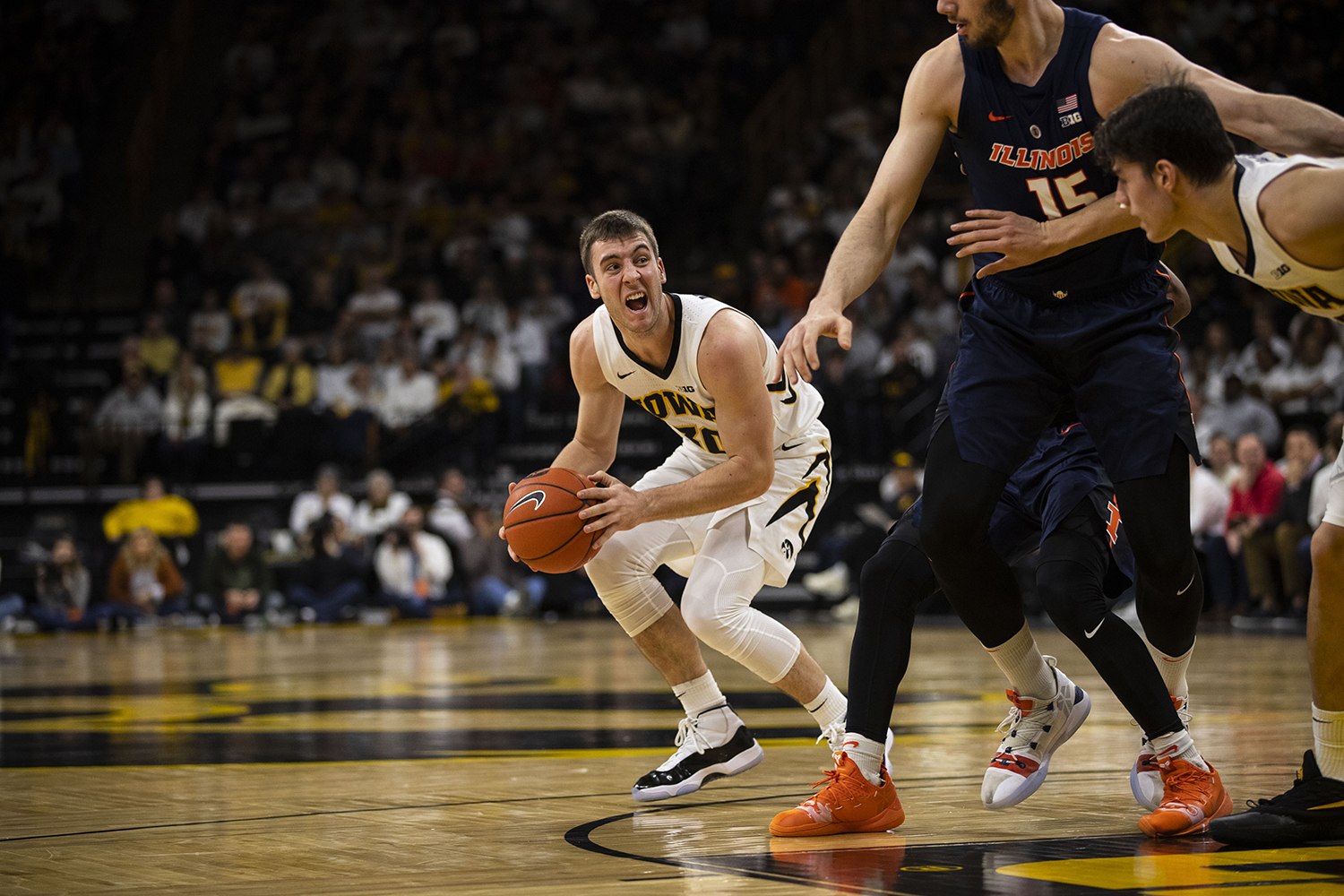 Iowa+guard+Connor+McCaffery+looks+to+pass+the+ball+during+the+Iowa%2FIllinois+men%27s+basketball+game+at+Carver-Hawkeye+Arena+on+Sunday%2C+January+20%2C+2019.+The+Hawkeyes+defeated+the+Fighting+Illini%2C+95-71.+