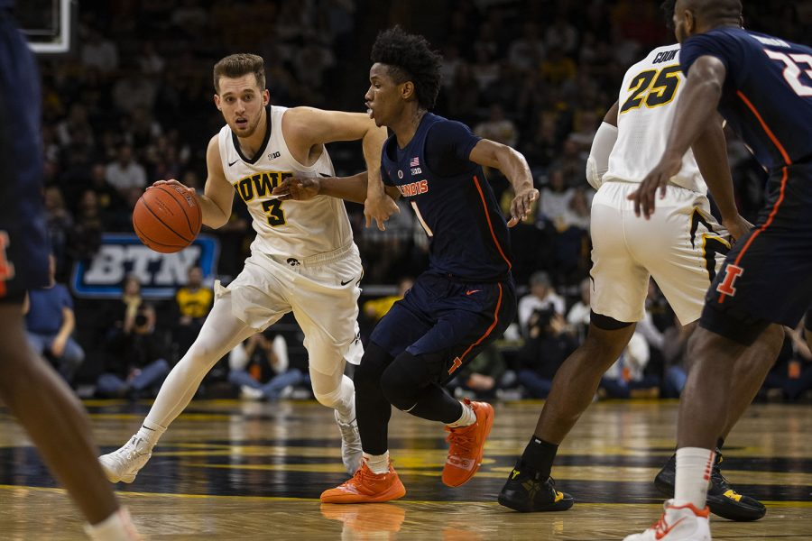 Iowa+guard+Jordan+Bohannon+drives+to+the+hoop+during+the+Iowa%2FIllinois+mens+basketball+game+at+Carver-Hawkeye+Arena+on+Sunday%2C+January+20%2C+2019.+The+Hawkeyes+defeated+the+Fighting+Illini%2C+95-71.+