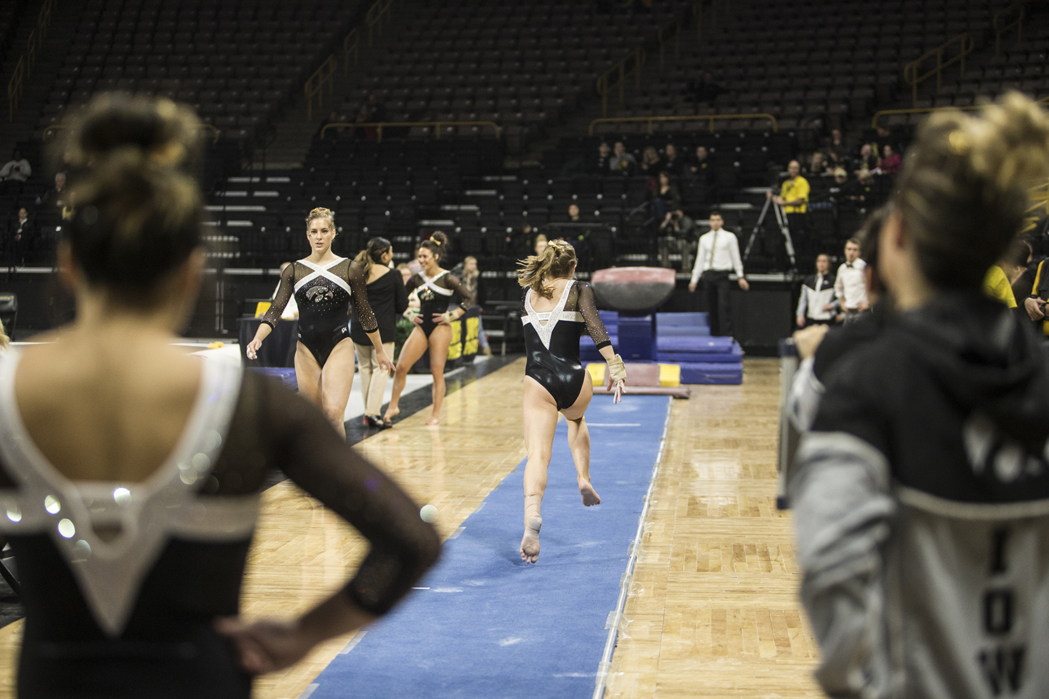 Iowa+gymnast+Charlotte+Sullivan+competes+on+the+vault+on+January+26%2C+2019.+The+Hawkeyes+defeated+the+Scarlet+Knights+194.575+to+191.675.+