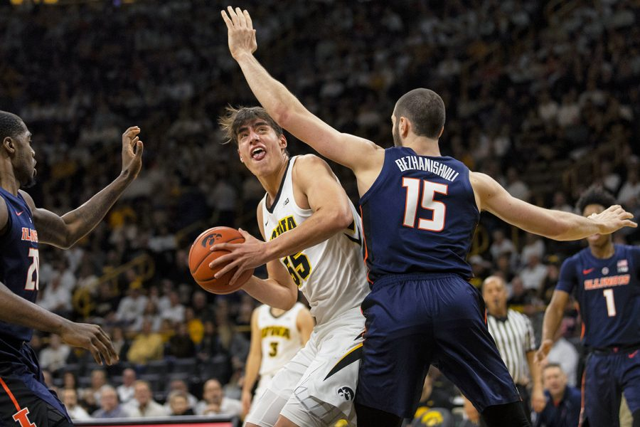 Iowa+forward+Luka+Garza+looks+to+attempt+a+shot+during+the+Iowa%2FIllinois+men%27s+basketball+game+at+Carver-Hawkeye+Arena+on+Sunday%2C+January+20%2C+2019.+The+Hawkeyes+defeated+the+Fighting+Illini%2C+95-71.