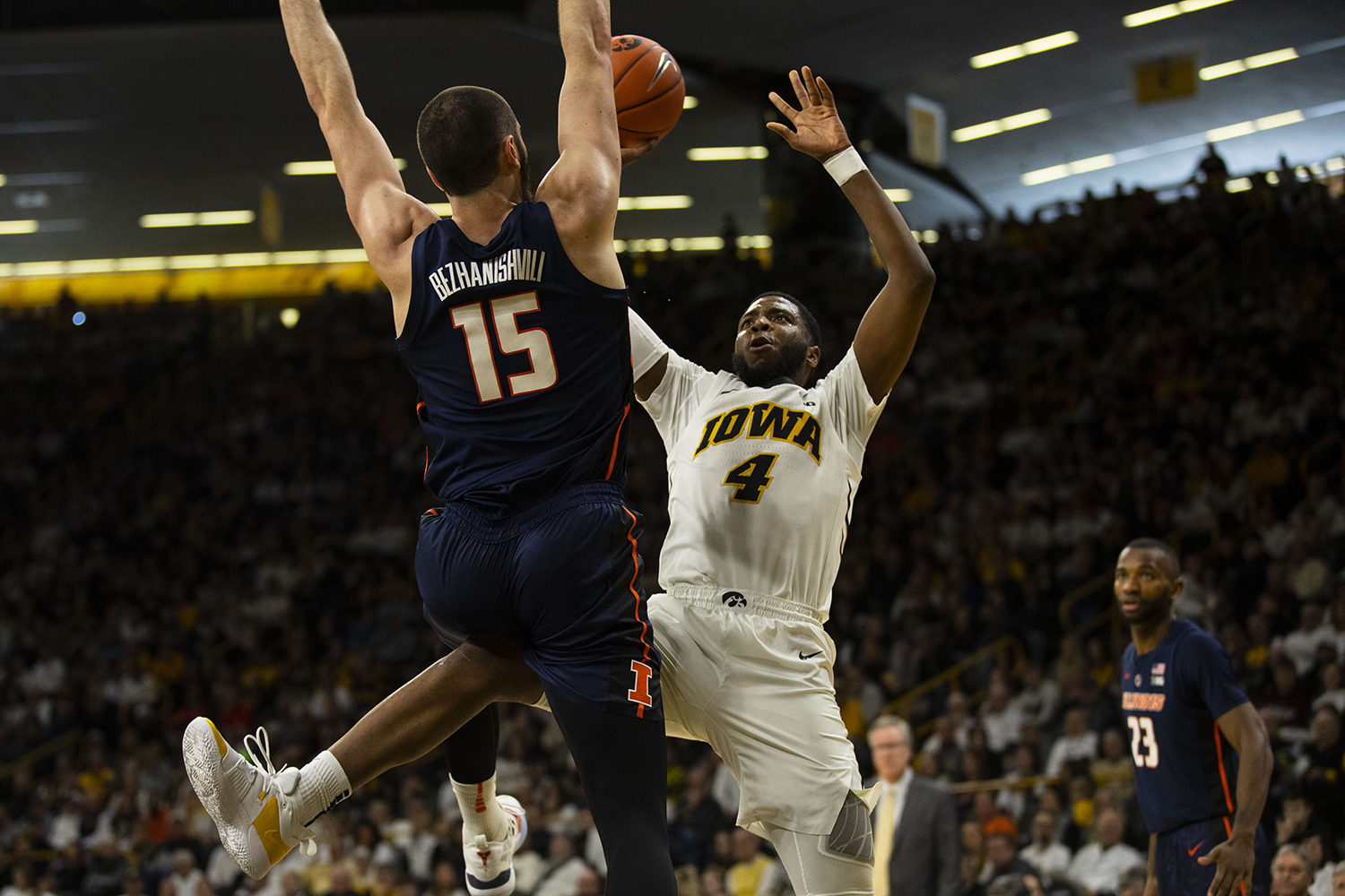 Iowa guard Isaiah Moss attempts a layup during the Iowa/Illinois men's basketball game at Carver-Hawkeye Arena on Sunday, January 20, 2019. The Hawkeyes defeated the Fighting Illini, 95-71.