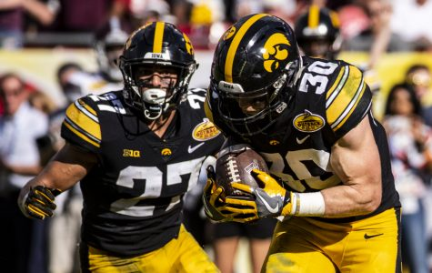 Senior walk-ons lead the way in Outback victory