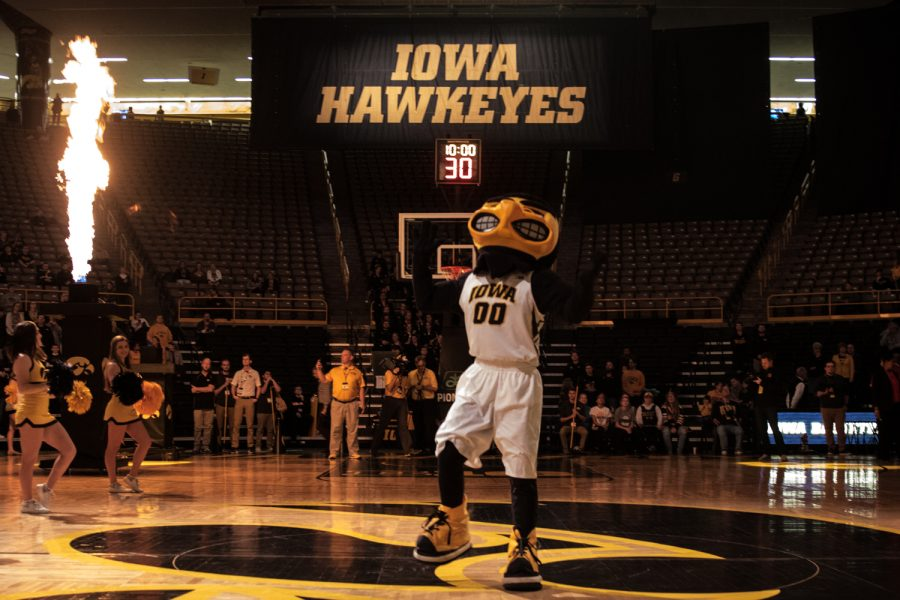 Herky+pumps+up+the+crowd+during+a+women%27s+basketball+matchup+between+Iowa+and+Rutgers+at+Carver-Hawkeye+Arena+on+Wednesday%2C+January+23%2C+2019.+The+Hawkeyes+defeated+the+Scarlet+Knights%2C+72-66.