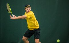 Iowa tennis stays perfect across the country