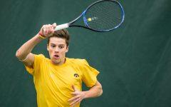 Hawkeye tennis sweeps Drake, Nebraska