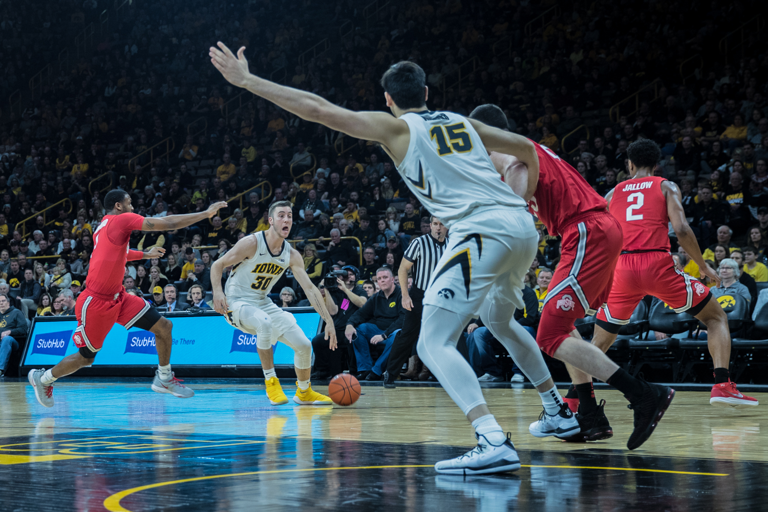 Iowa+guard+Connor+McCaffery+surveys+the+defense+during+a+men%27s+basketball+matchup+between+Ohio+State+and+Iowa+at+Carver-Hawkeye+Arena+on+Saturday%2C+January+12%2C+2019.+The+Hawkeyes+defeated+the+Buckeyes%2C+72-62.